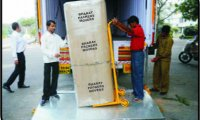 Loading and Unloading  Service of Packers and Movers in Satna
